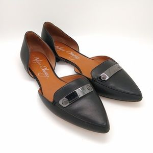 Arturo Chiang pointed toe leather flats